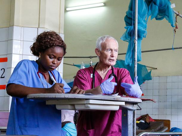 British and Sierra Leonean medics work together at Connaught Hospital, Freetown