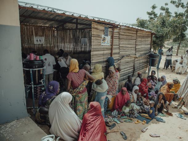Training being provided to mothers in Niger